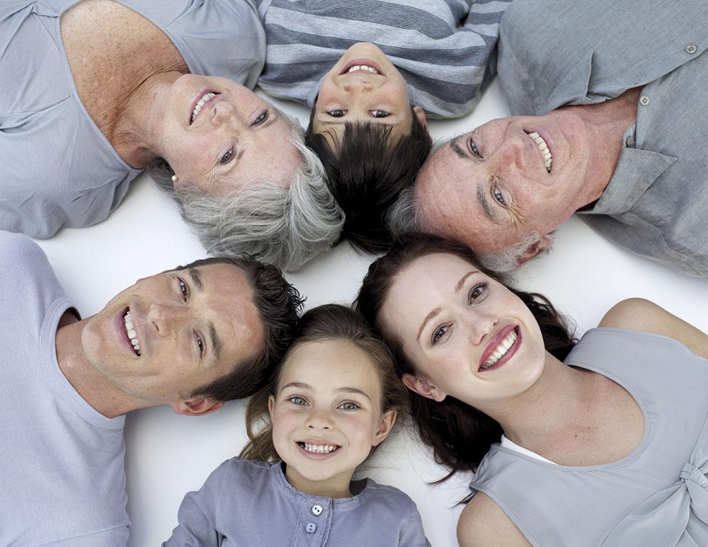 familia feliz CEREGUMIL